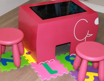 Table tactile enfants table kid's showroom