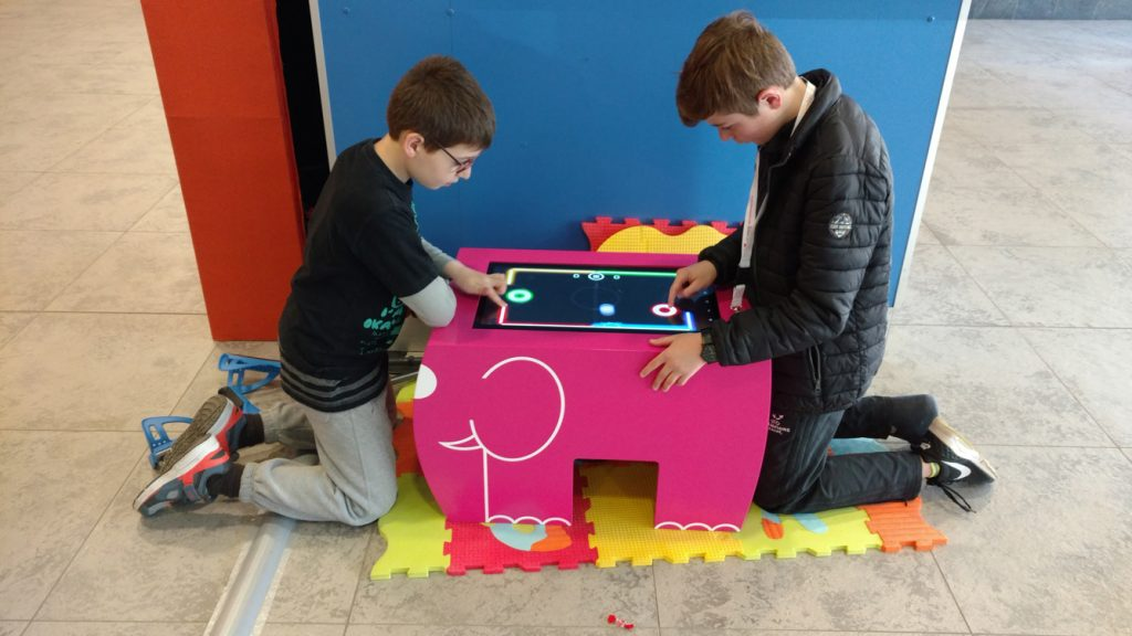 Children playing Table Kid's