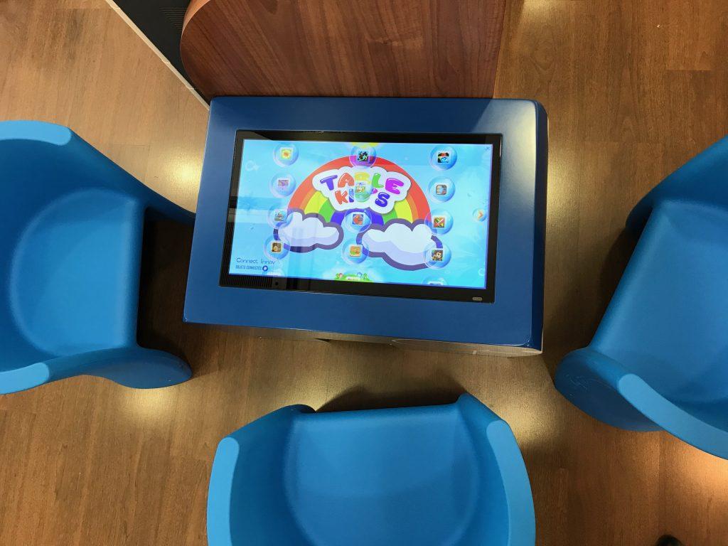 Table tactile enfants table kid's opticien Krys